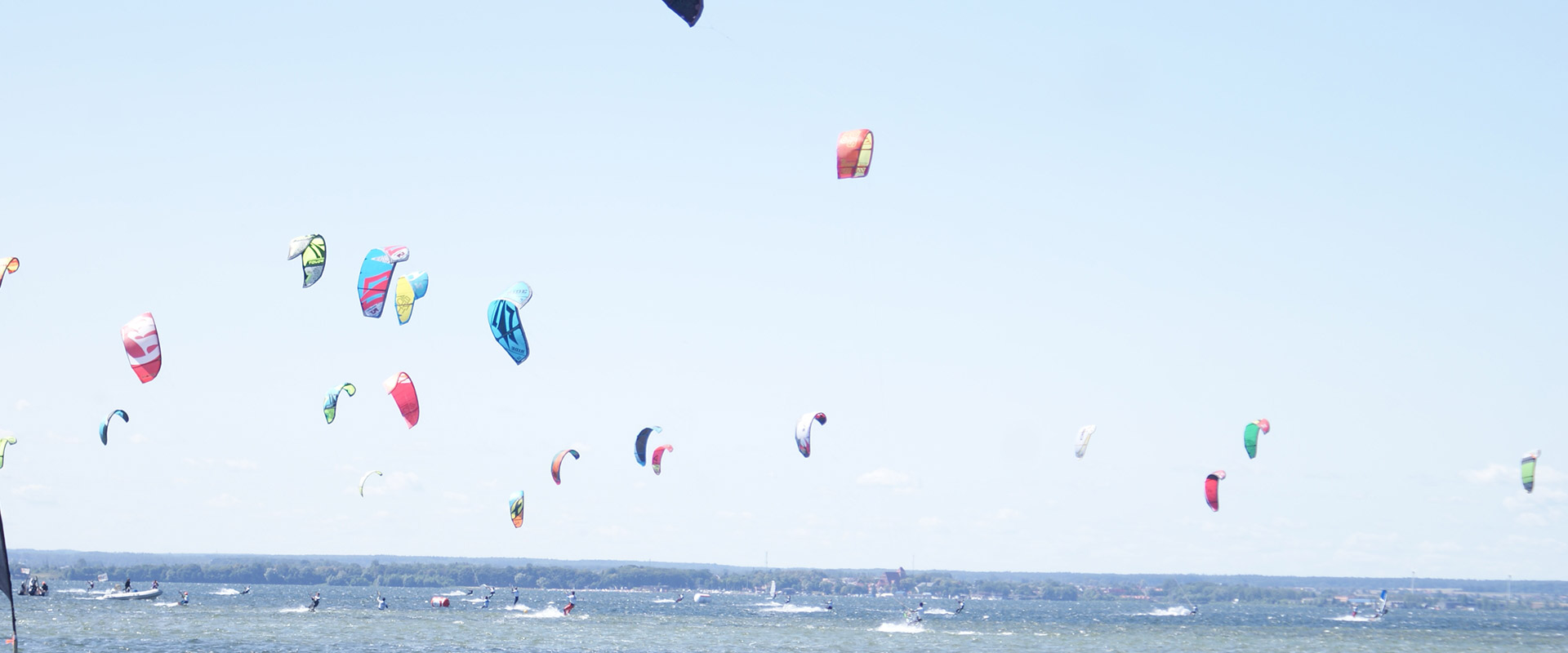 SURF CAMP KITESURFING